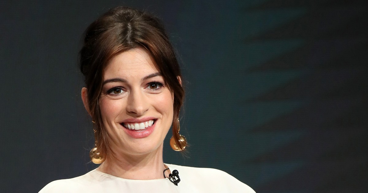 Pregnant Anne Hathaway Says She Has Mommy Brain