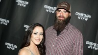 Jenelle-Evans-Cuddles-Up-to-David-Eason-2