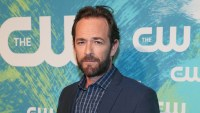 Luke Perry Applauded at 'Once Upon a Time in Hollywood' Premiere