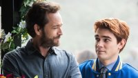 See How the 'Riverdale' Cast Honored Luke Perry in the Season 4 Premiere