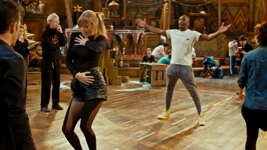 Taylor Swift and Idris Elba rehearse for Cats