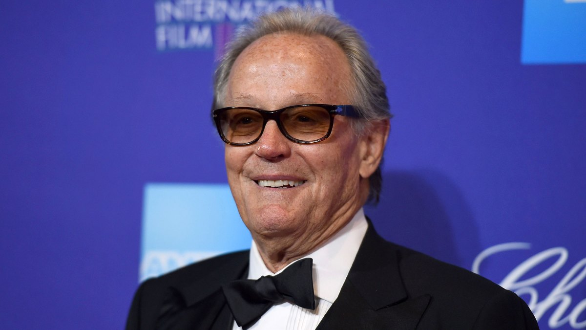 Peter Fonda Dead: 'Easy Rider' Actor and Oscar Nominee Dies at 79 After Lung Cancer Battle