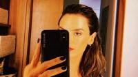 Alessandra-Ambrosio-nearly-nude-selfie