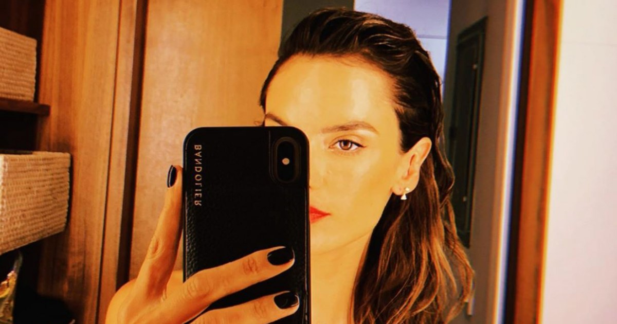The Best Nearly Nude Mirror Selfies: Kim Kardashian, Jennifer Lopez, More Body-Baring Instagram Pics