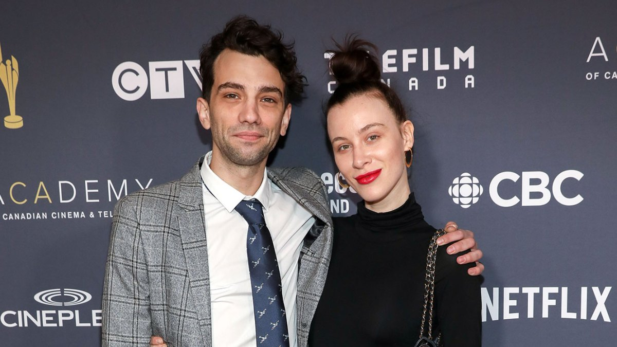 Actor Jay Baruchel Announces Upcoming Wedding to Fiancee Rebecca-Jo Dunham in Portugal
