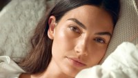 Lily-Aldridge-Talks-About-Her-New-Fragrance-Line-2