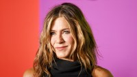 Inside-Jennifer-Aniston's-Holiday-Plans-With-Her-Friends
