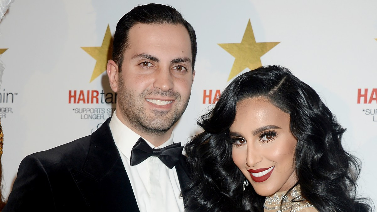 Lilly Ghalichi Spotted Kissing Estranged Husband Dara Mir: We're 'Taking It One Day at a Time'