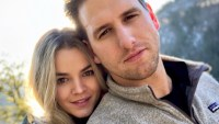 Bachelor Alum Nikki Ferrell and Husband Tyler Vanloo Reunite for Romantic Hike After Split