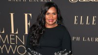 Mindy Kaling Wearing Oscar de la Renta Proudly Announces She Passed Her Written Driver's Test