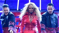 Britney Spears Performs 2016 Billboard Awards