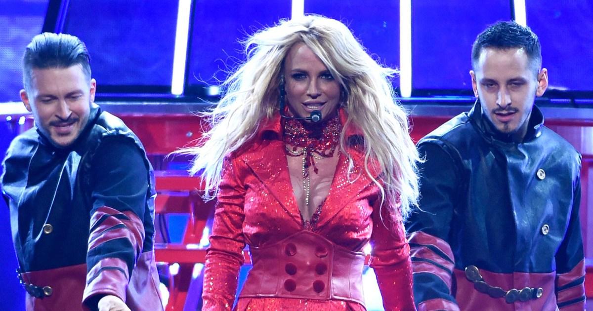 "Britney Spears 2016 Billboard Awards - تم تصنيف فردي بريتني سبيرز ، ابتداءً من ""Baby One More Time"""