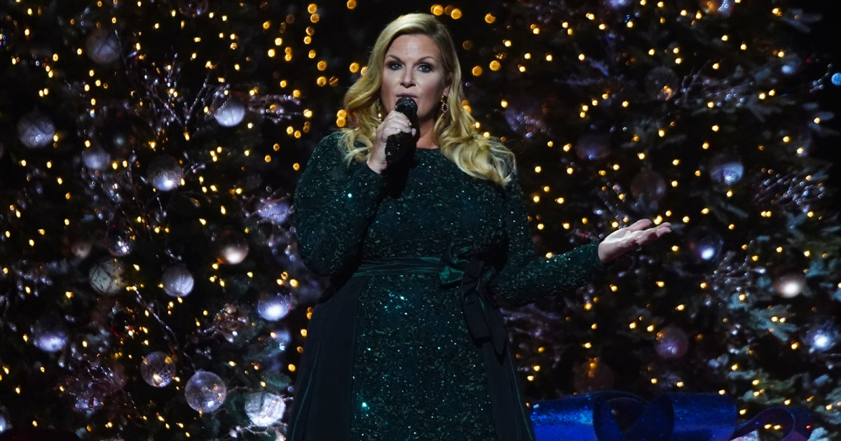 CMA Country Christmas 2019 01 - المضيف ، فناني الأداء ، لمعرفة المزيد