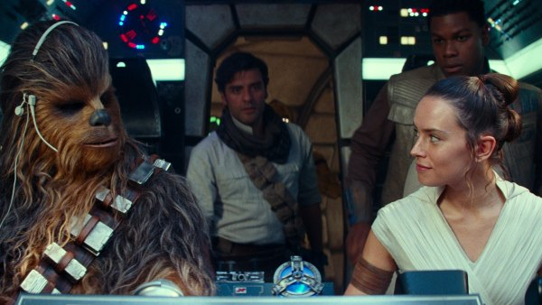 'Star Wars: The Rise of Skywalker' Features Popular Franchise's 1st Same-Sex Kiss