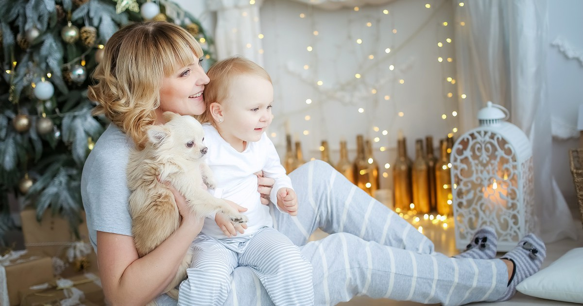 mom and baby - دليل الهدية 2019: أمهات جديدات