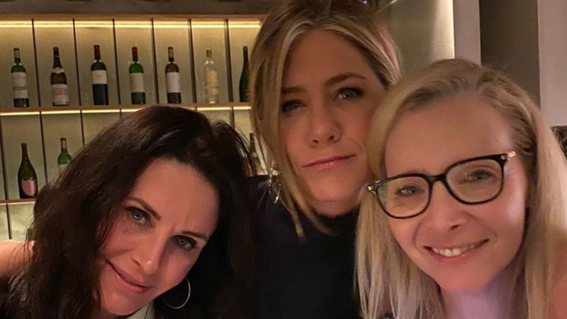 Always There! See the 'Friends' Cast Reuniting Through the Years, Wustoo