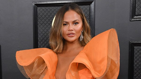 Grammy Awards 2020 Arrivals - Chrissy Teigen