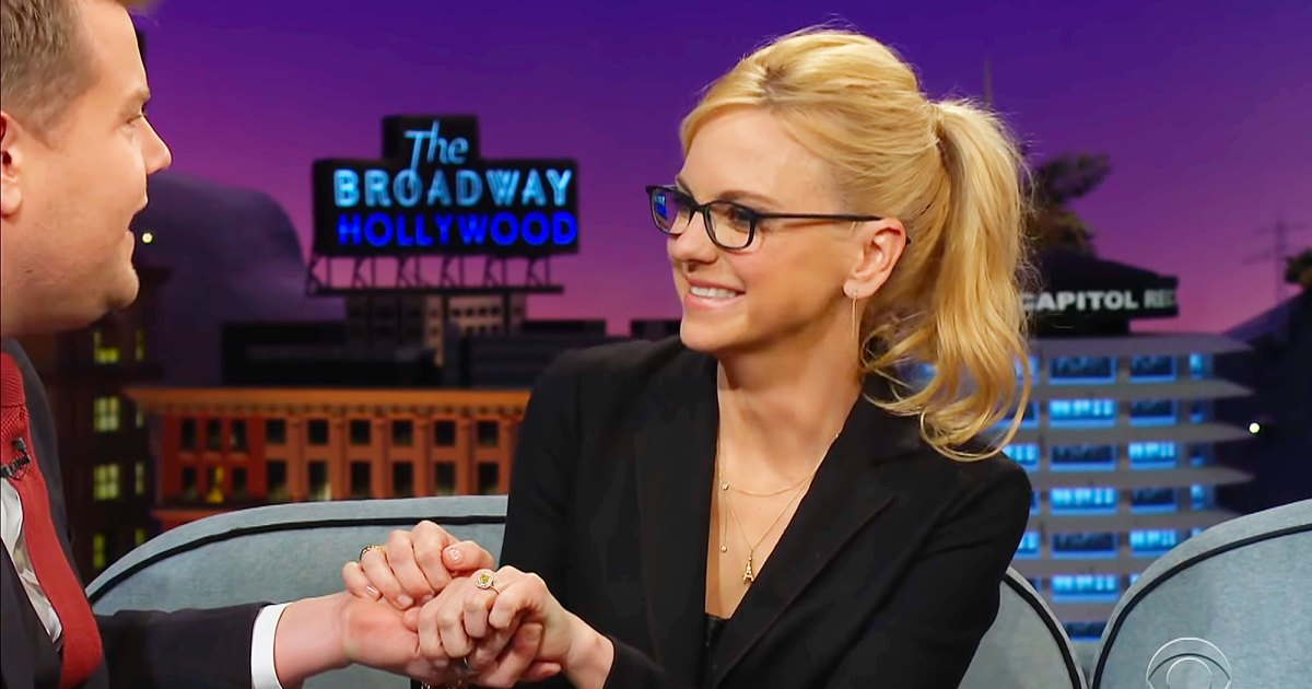 Finally! Anna Faris Confirms Engagement, Wants to Officiate Her Own Wedding
