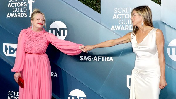 Elisabeth-Moss-Jokes-About-SAG-Awards-Moment-With-Jennifer-Aniston