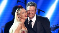 Gwen-Stefani-Climbs-All-Over-Blake-Shelton-During-Surprise-Duet-in-Las-Vegas
