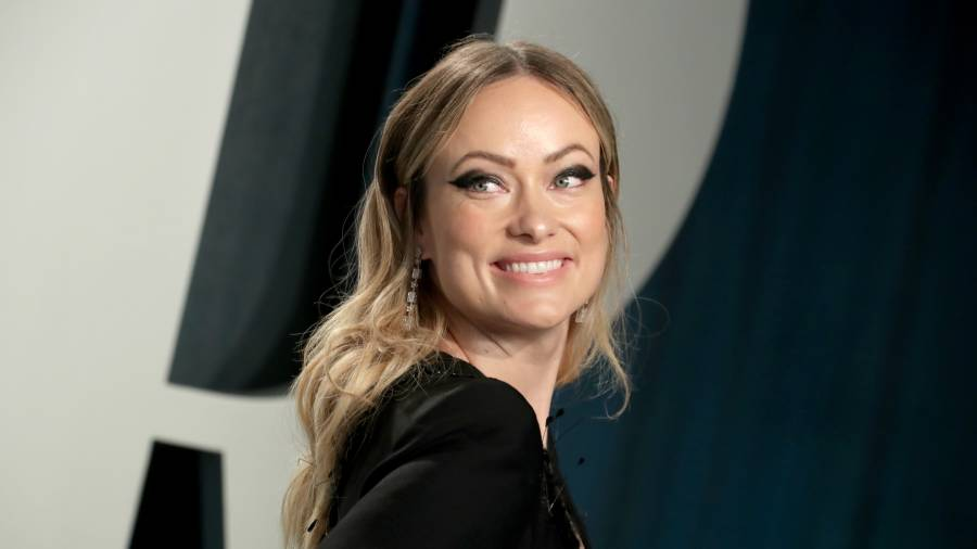 Olivia Wilde attends the 2020 Vanity Fair Oscar Party in Los Angeles.