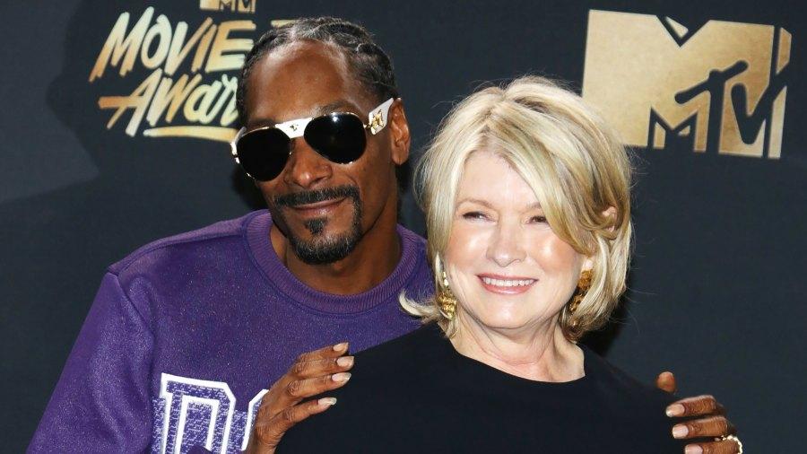 Martha Stewart Pokes Fun at Snoop Dogg Homemade Pizza
