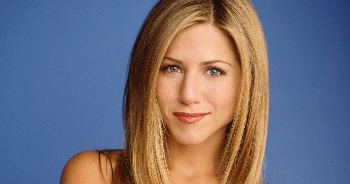 Jennifer-Aniston-Says-She-Struggled-With-Being-Typecast-As-Rachel-Green-On-Friends-Inline.jpg?crop=0px,201px,2000px,1051px&resize=1200,630&ssl=1&quality=86&strip=all