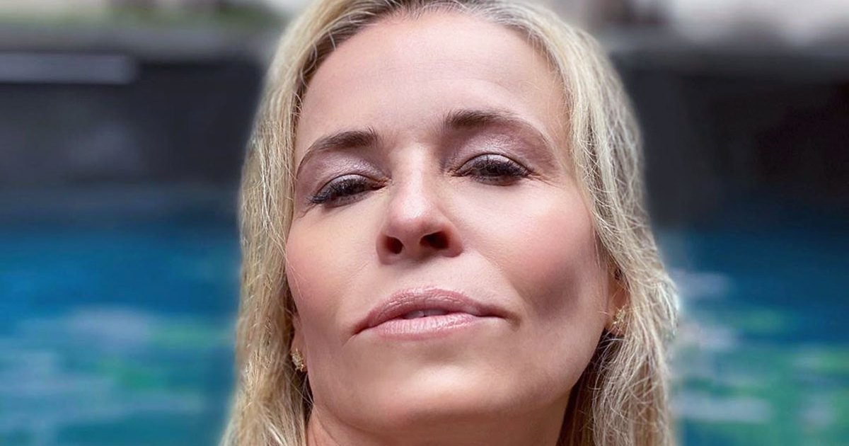 Martha Stewart Responds After Chelsea Handler Recreates Her 'Thirst Trap' Selfie