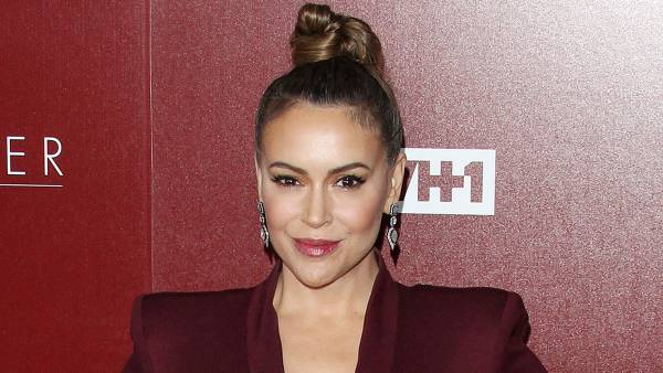 Alyssa Milano Reveals She Had Coronavirus, Thought She Was 'Dying'