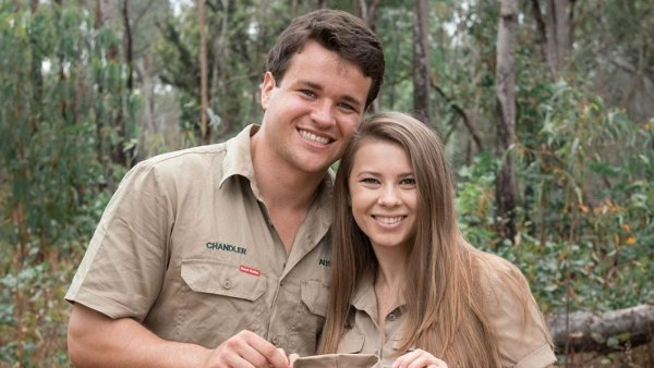Bindi Irwin Pregnant Expecting 1st Child With Husband Chandler Powell Instagram