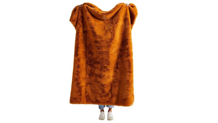 Faux-Fur-Blanket