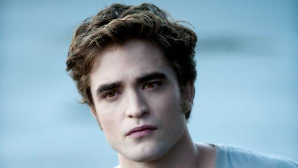 Stephenie Meyer Teases New Twilight Book Some Fans May Be Taken Aback by Edward Cullen 2