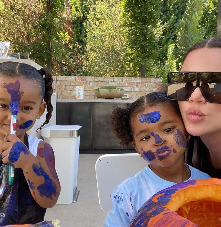Khloe Kardashian, Tristan Thompson Paint Pumpkins With ...