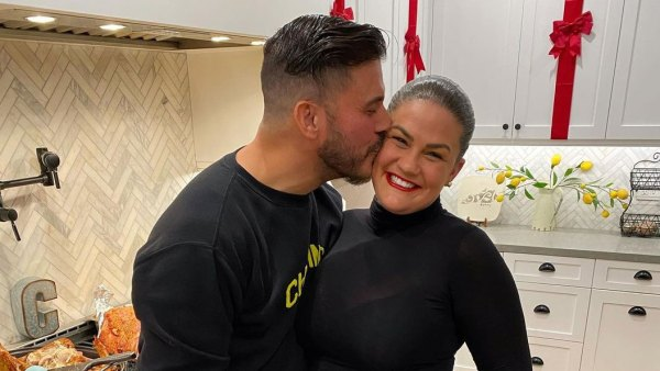 Jax Taylor Kisses Pregnant Wife Brittany Cartwright