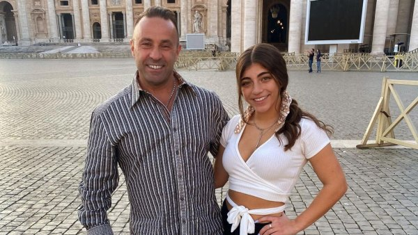 Joe Giudice Reunites With His Daughters for 1st Time in Nearly 1 Year