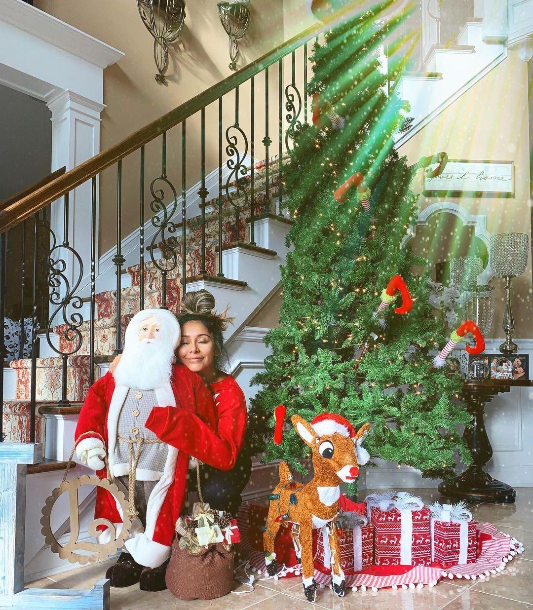 Totally Festive! See the Celebrity Holiday Decorations of 2020