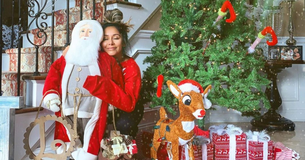 Who Died On Christmas 2020 Celebrity Celebrity Holiday Decorations of 2020: From Modern to Traditional
