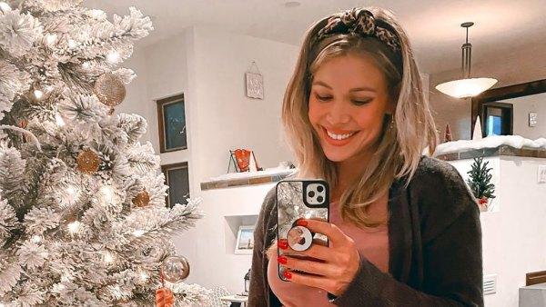 Christmas Tree Cutie! See Pregnant Krystal Nielson's Baby Bump Album
