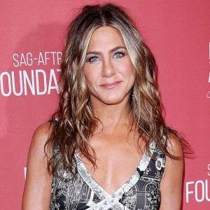 Jennifer Aniston Reveals Blonder Hair The Morning Show Set