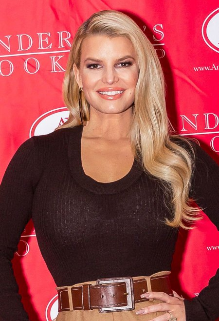 Jessica Simpson Jokes Chicken and Tuna Mixup 17 Years After Reality TV Flub