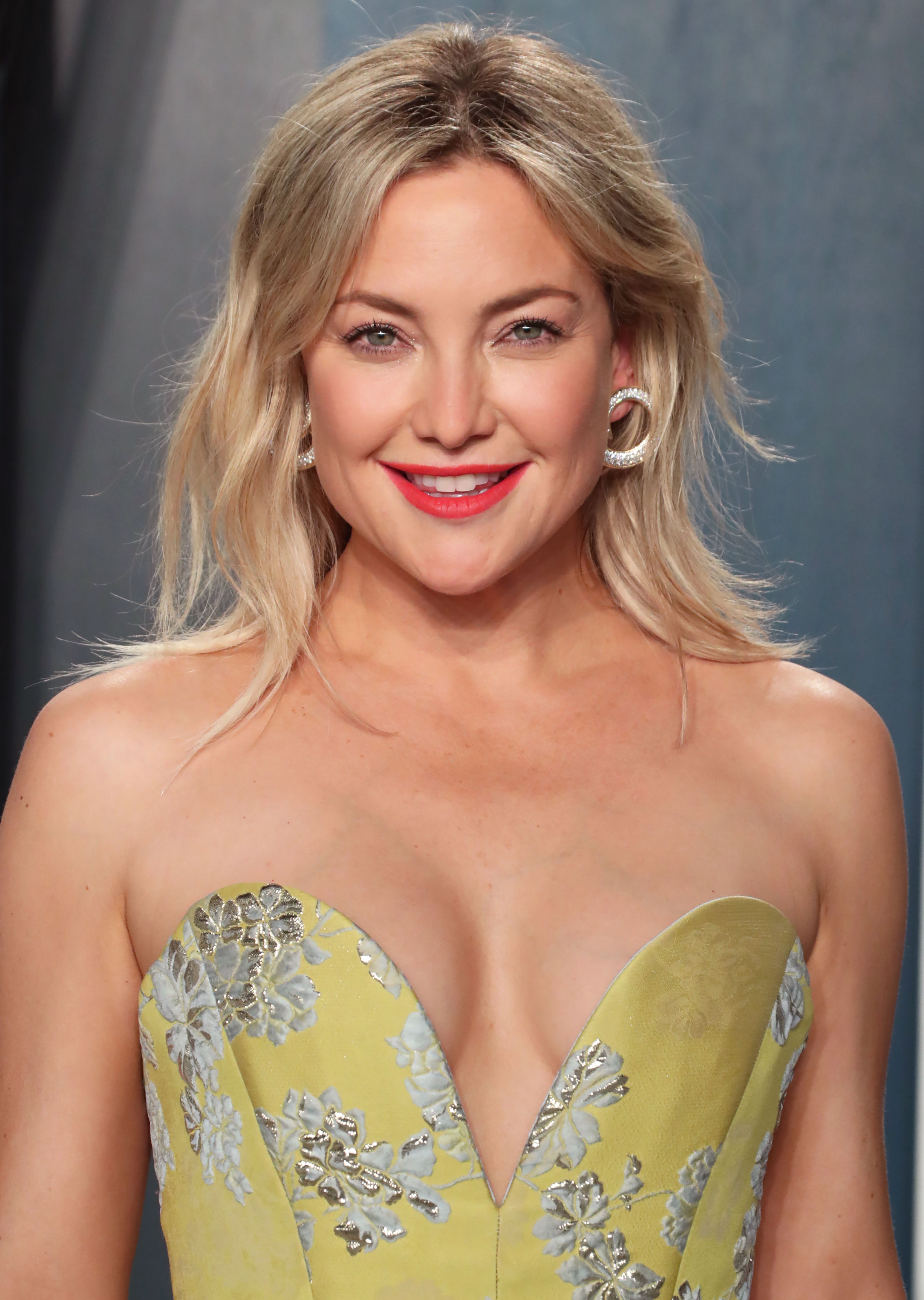 Kate Hudson Starts Off 2021 With a New Surprising Hair Color