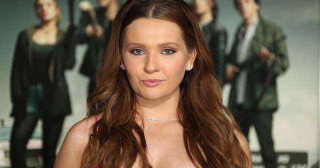 Abigail Breslin's Father Michael Dies of COVID-19 at 78: 'I'm in Shock'.jpg