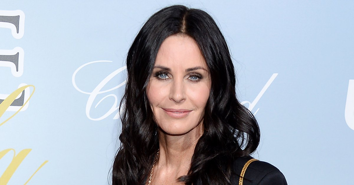 Courteney-Cox-Shares-Her-Five-Minute-Makeup-Routine.jpg?crop=0px,8px,1429px,749px&resize=1200,630&ssl=1&quality=86&strip=all