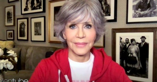 Jane Fonda Is 'So Happy' She Let Her Hair Go Gray: Watch.jpg