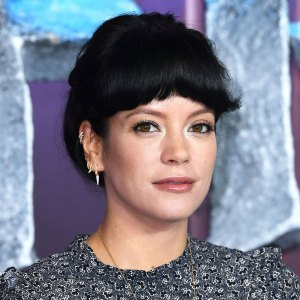 Lily Allen Debuts the Chicest Baby Bangs