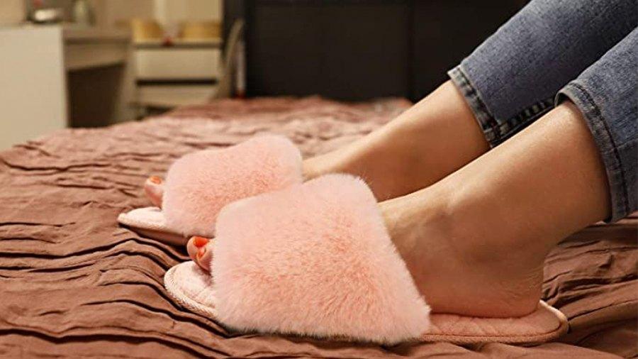 LongBay Women's Fuzzy Faux Fur Memroy Foam Flat Spa Slide Slippers
