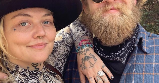 Elle King Is Pregnant, Expecting 1st Child With Fiance Dan Tooker After Multiple Miscarriages.jpg