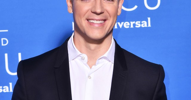 Jason Kennedy Announces Exit From E! News After 16 Years: 'I'm Leaving With a Grateful and Full Heart'.jpg