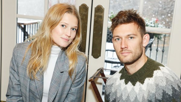 Toni Garrn Is Pregnant Expecting 1st Child With Husband Alex Pettyfer