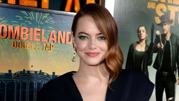 Soaking It In Emma Stone Is a Very Hands-On Mom With Her Daughter